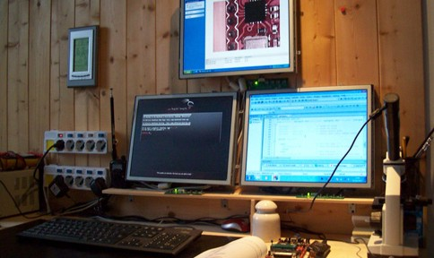 "Photo 3: This developing and programming space, with its three small computers, is called ""the little Hydra."""