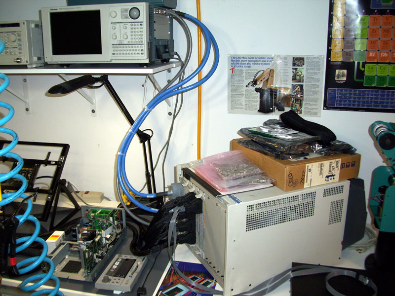 Gerry recently upgraded his  Tektronix logic analyzer with an expansion box.