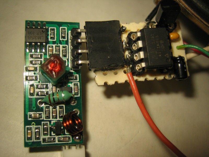 Photo 3: The 315-MHz receiver with ATtiny85 CPU and 78L05 voltage regulator